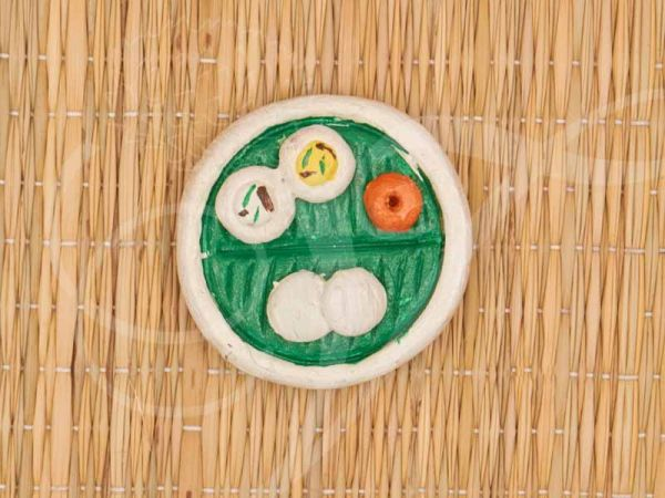 Fridge magnet Food on Banana leaf  Idli Indian TamilNadu Andhra Karnataka Kerala Style