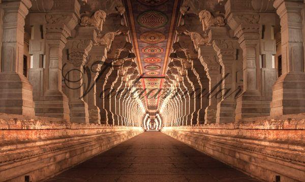 India Temple Pillars Design Banner